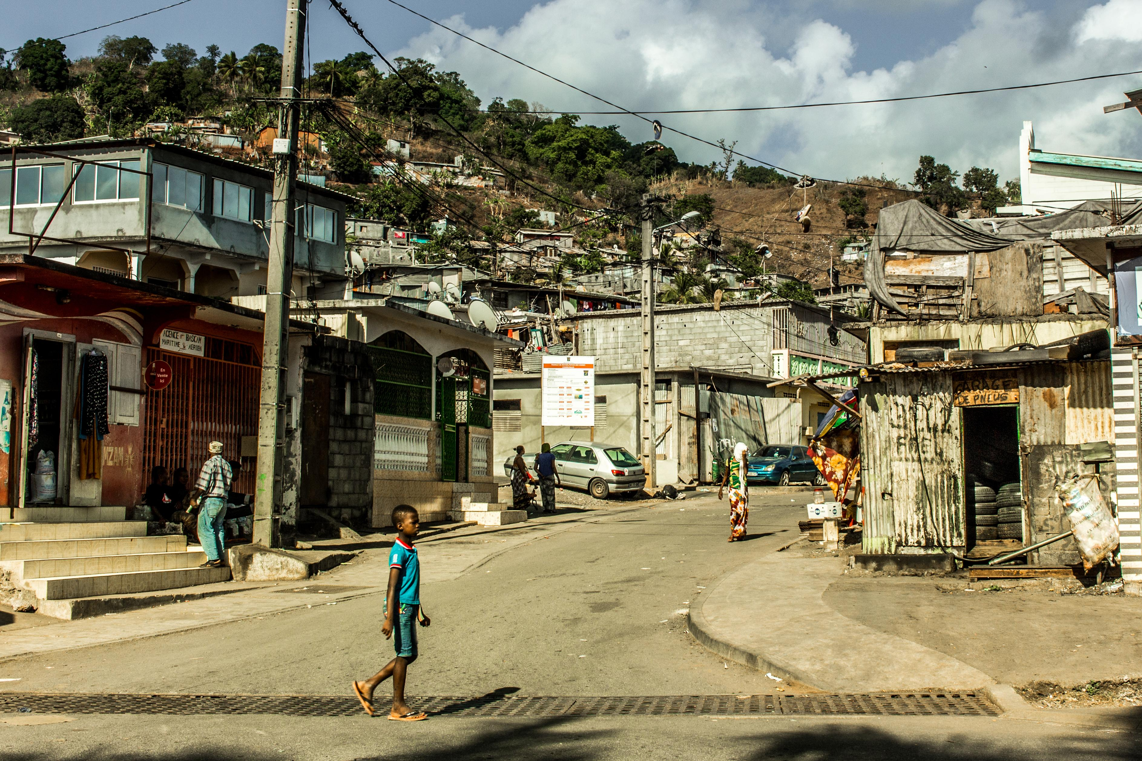 Après une nuit d'émeutes à Mayotte, le député Mansour Kamardine demande une « énième fois » un renfort pour la sécurité de l'île