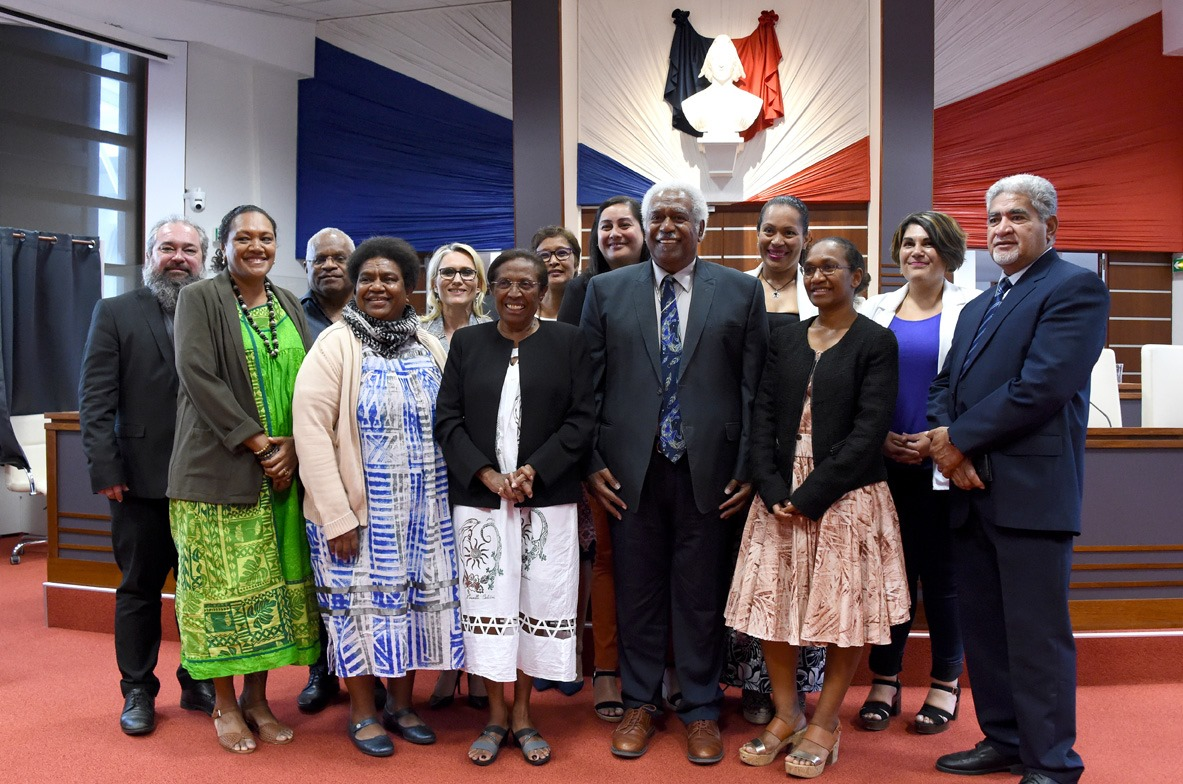 Nouvelle-Calédonie : L'Éveil océanien entre « dans une pirogue océanienne » estime l'Historien Louis-José Barbançon