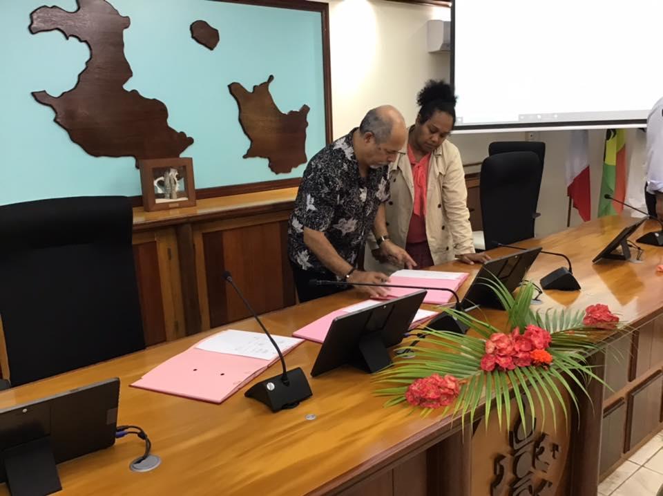 Nouvelle-Calédonie : Un accord signé entre Air Calédonie et les Coutumiers de Lifou