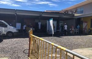 Face à un rebond du nombre de cas positifs au Covid-19, un drive test a été mis en place à Papeete ©Radio 1 Tahiti