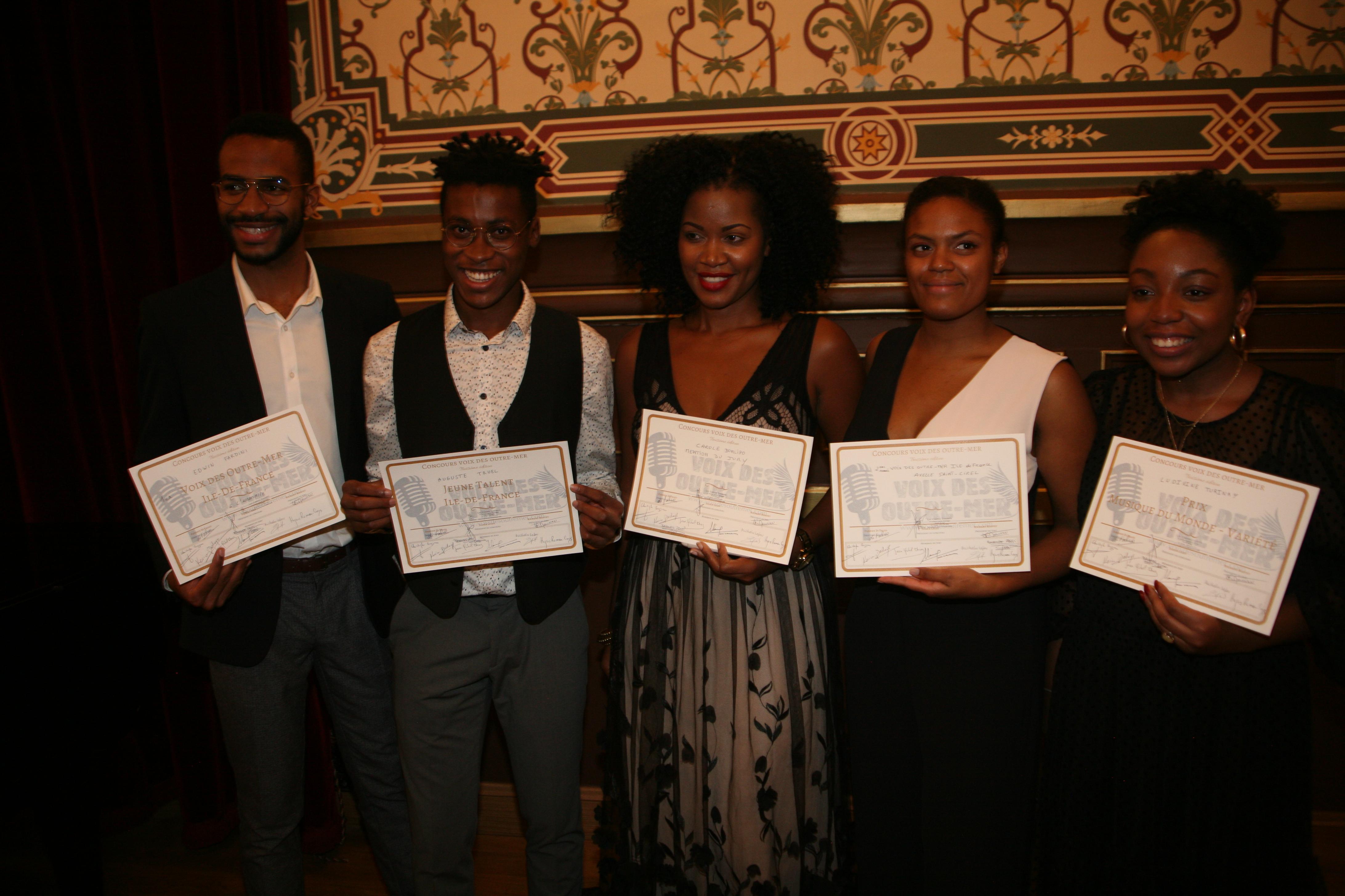 Le Martiniquais Edwin Fardini et la Guadeloupéenne Axelle Saint-Cirel, principaux lauréats de la finale Ile-de-France du concours Voix des outre-mer