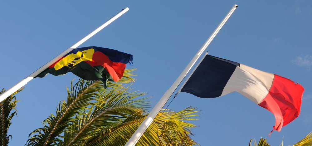 Référendum en Nouvelle-Calédonie : Le recours sur l'utilisation du drapeau tricolore rejeté par le Conseil d'État