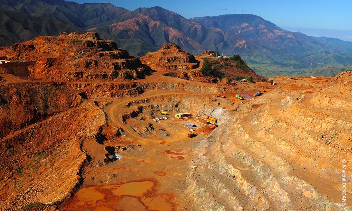 Économie : Le nickel, une industrie d'avenir pour la Nouvelle-Calédonie ?