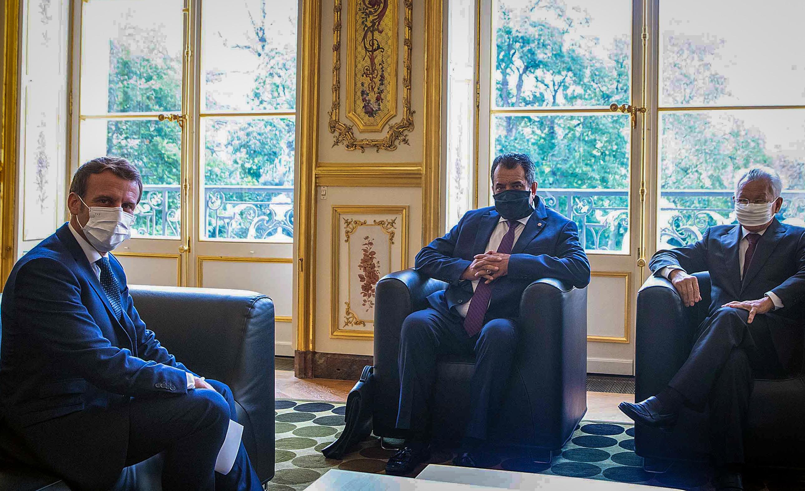Le président de la Polynésie positif au Covid après une rencontre avec Emmanuel Macron