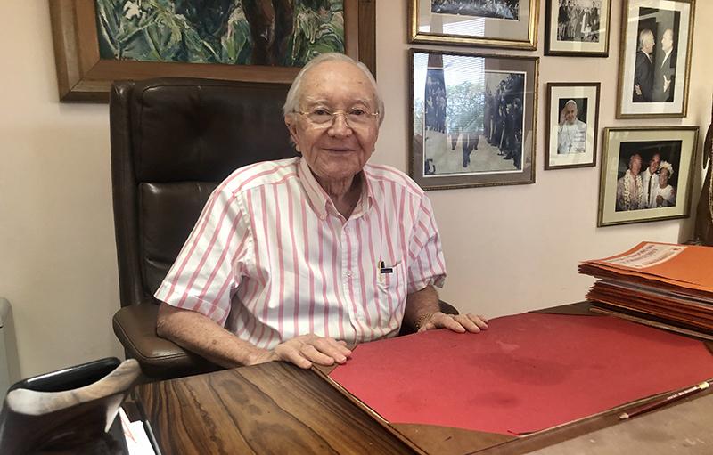 Covid-19 : L'ancien président de la Polynésie Gaston Flosse testé positif, les îles de Tahiti et Moorea passent au niveau 4