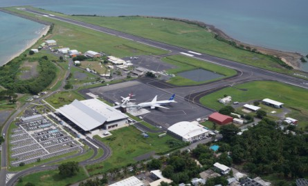 Le Québécois SNC-Lavalin se sépare de ses aéroports de Saint-Martin et Mayotte