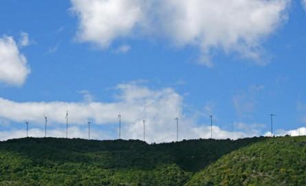 Energies renouvelables: La Désirade renouvelle son parc éolien