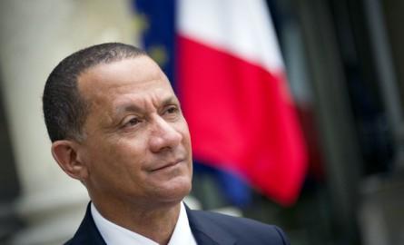 Dans un courrier au Premier ministre, le Président de la Collectivité de Guyane demande un « arbitrage » sur la filière bois