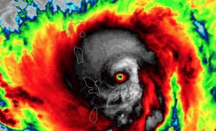 Ouragan Maria: La Dominique ravagée, la Guadeloupe plus touchée que la Martinique constatent les dégâts de cet ouragan « potentiellement ravageur »