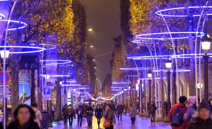 Paris teddy riner parrainera les illuminations de no l sur les champs elys - Illumination maison noel ...
