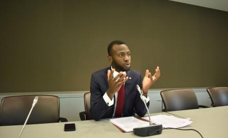 Réforme constitutionnelle: Lénaick Adam propose la création d'un statut-cadre des Pays d'Outre-mer