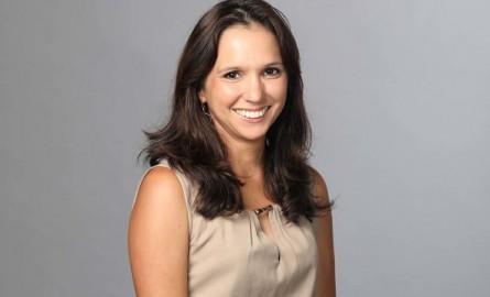 Législative partielle à La Réunion : Karine Lebon, candidate d'Huguette Bello, arrive en tête dans la 2ème circonscription