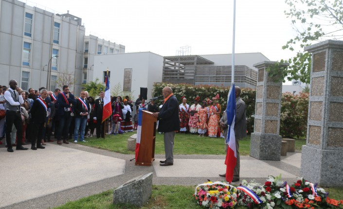 Sainte Genevi u00e8ve des Bois la Journée Nationale des mémoires de la traite, de l u2019esclavage et de  # Volkswagen Sainte Genevieve Des Bois