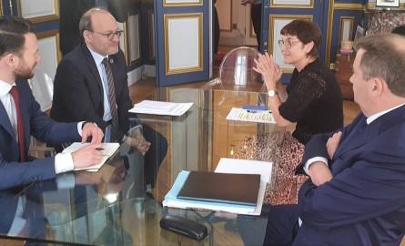 « Outre-mer en commun », un plan d'un milliard d'euros lancé par le Ministère des Outre-mer et l'AFD en faveur des collectivités locales et les entreprises