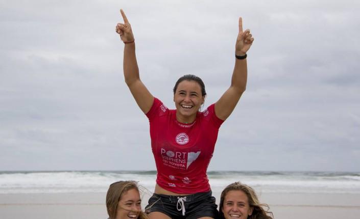 Surf johanne defay devient num ro une mondiale dans sa for Interieur sport johanne defay