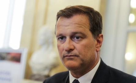Provinciales en Nouvelle-Calédonie : Louis Aliot en déplacement pour soutenir Alain Descombels