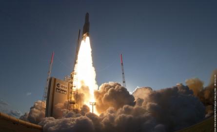Arianespace: Ariane 5 lance mercredi deux satellites de télécommunications
