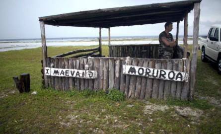 Essais nucléaires en Polynésie: A Mururoa, un système rénové pour surveiller les sous-sols et prévenir une catastrophe