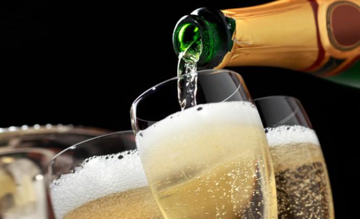 champagne-mnkqz1w4i5tc4ng72cmxmwejjojuok
