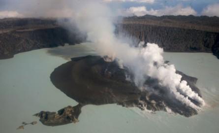 Eruption volcanique au Vanuatu: La population d'Ambae incitée à quitter l'île pour de bon