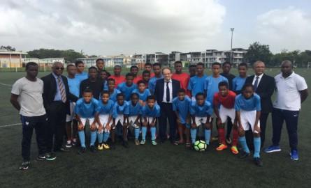 Football: Noël Le Graët, président de la FFF en visite de soutien en Guadeloupe et à Saint-Martin