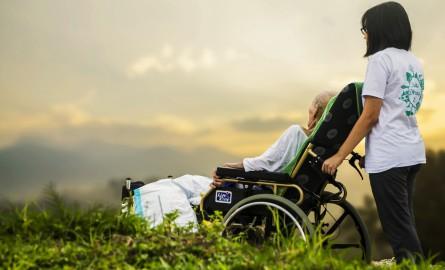 Nouvelle-Calédonie: Après l'insertion dans les entreprises, le gouvernement veut faciliter l'accès des lieux de loisirs aux personnes handicapées