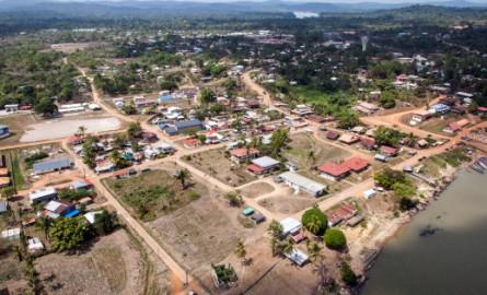 En Guyane, un recensement parfois en pirogue, qui comptabilise aussi les orpailleurs illégaux