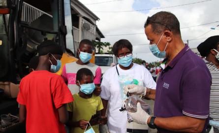 Covid-19 -Guyane : 1600 masques et des gels hydroalcooliques remis par la CTG aux habitants de Matoury